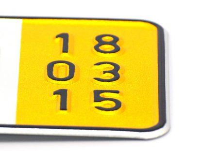 tablice-rejestracyjne-520x110-Niemcy-zolta-4